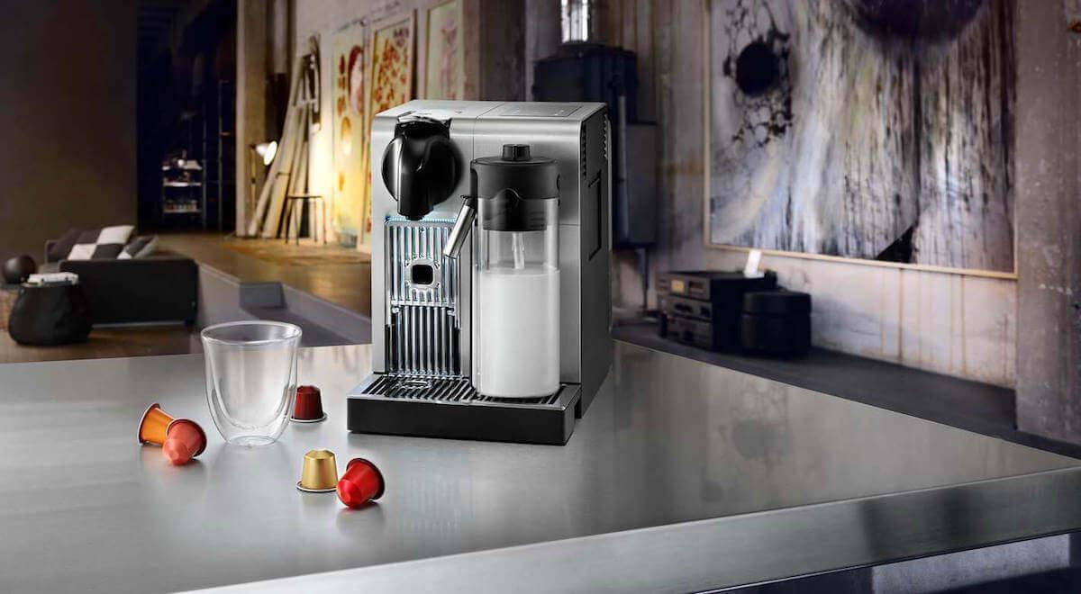 Apparater. Set ikoner kjøleskap, støvsuger, kaffe